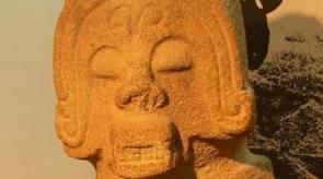 estatua en el parque arqueologico