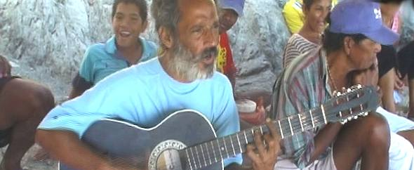 Rolando plays folk songs of the caribbean coast